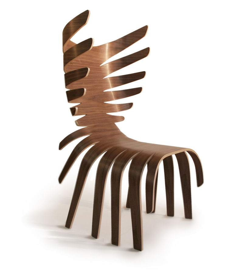The Cervo chair is meant to mimic the antlers of a deer, though it also has a distinctly ribcage feel to it. Or perhaps it evokes a centipede. In any case, it's a bit of design clearly taking its cues from the repetitions found in nature. It's made of for