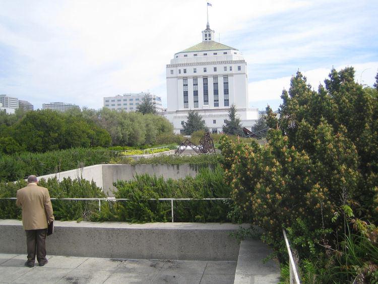 Another appealing view from the rooftop of the museum is the Alameda County Courthouse which was erected in 1939 as part of a New Deal public works project.