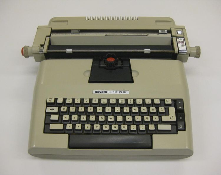 Lexikon 82 typewriter designed in 1975 by Mario Bellini, A. Macchi Cassia, G. Pasini, and S. Pasqui for Olivetti.