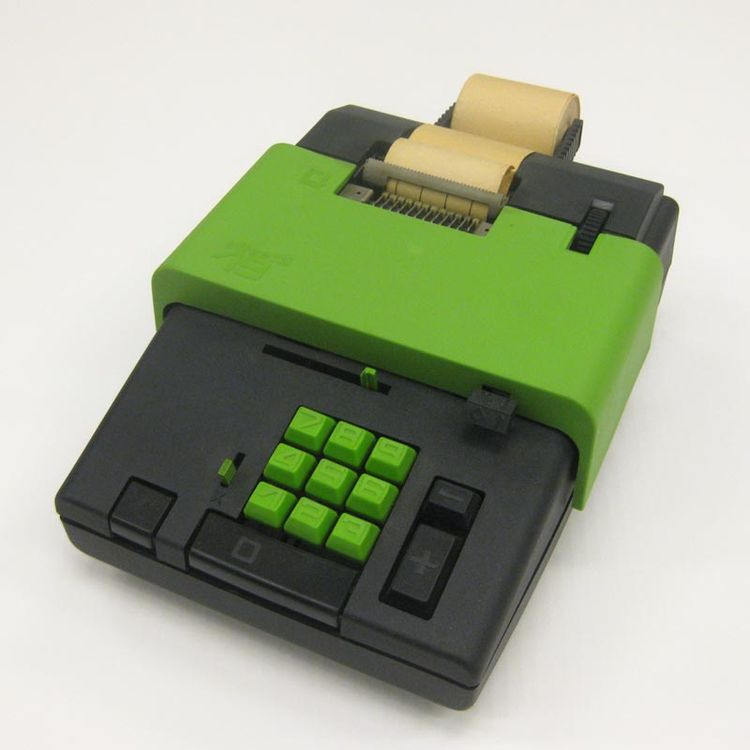 Summa 19 calculator designed in 1970 by Ettore Sottsass for Olivetti.