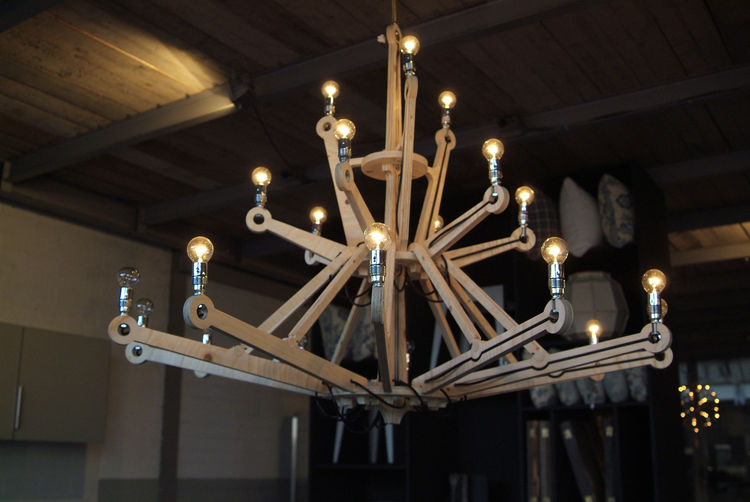 Chandelier in nude plywood