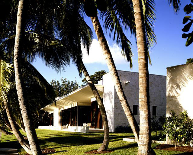 Deborah Berke designed this beautiful example of a modernist home in the 21st century.