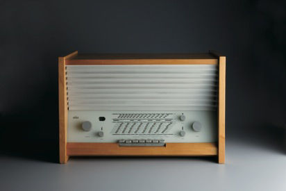 This G11 radio designed by Hans Gugelot from 1955 is a good signpost of where Rams started in his career at Braun. Early Rams designs incorporated wooden panels (maple here) but before long he found greater expression in plastic and metal.