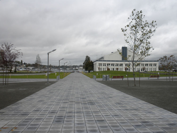 "<a href=""http://www.seattle.gov/parks/parkspaces/lakeunionpark.htm"">Lake Union Park</a> officially opened September 25, 2010, on a former naval reserve center. Though I was a little disappointed on arrival—it's a very flat park with too much concrete—I'm"