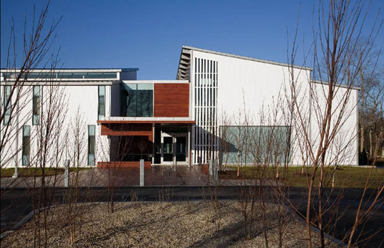 "World Headquarters for the International Fund for Animal Welfare (exterior view) in Yarmouthport, Massachusetts, by <a href=""http://www.designlabarch.com"">designLAB Architects</a>. Photo by Peter Vanderwarker."