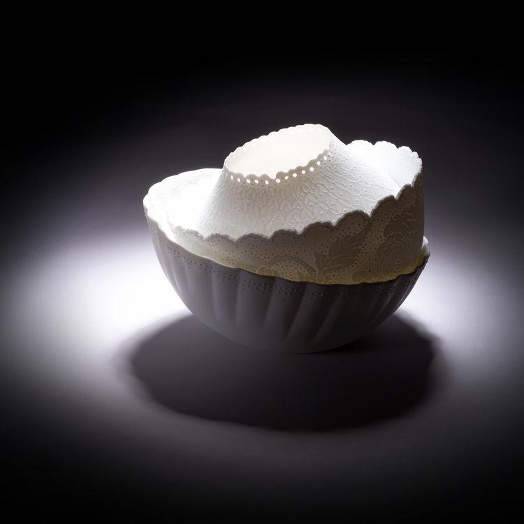 Lace Bowls for Yii. Porcelain. Designer: Ching-ting Hsu, Craft Maker: Tsuan-Jen Lee.
