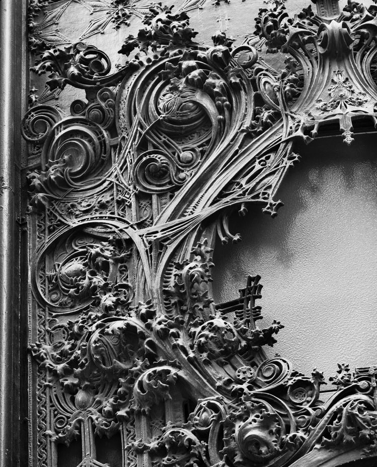 "Detail of the Schlessinger and Meyer Department Store, Chicago, Illinois, built 1899-1904. The National Farmers' Bank, Owatonna, Minnesota, built 1907-1908. Photo courtesy of <a href=""http://www.richardnickelcommittee.org/"">The Richard Nickel Committee an"
