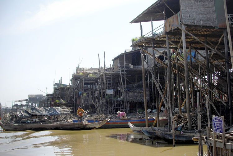 The small tributary eventually broadens to become the sweeping Tonle Sap lake, the largest inland body of water in Southeast Asia.  During the fishing season, one can always see many small fishing boats punctuating the seemingly infinite ocean landscape.