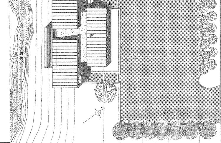 Viewed from above, the 1961 house appears to be three volumes rising up out of the central T. The terrace provides a counterpoint to the larger rectangular rises of the top floor.