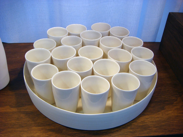 I really liked the arrangement of cups on this platter. Each one has a different height and when grouped together look really simple and beautiful.
