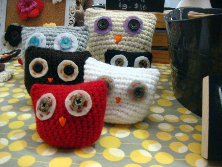 These knitted owls were oh-so-precious. Unfortunately, the name of the crafter escapes me!