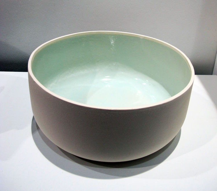 Zoe is based in Vancouver as well, clearly there's something in the water that's makes people super creative. She has a rad collection of pieces she's dubbed Pool, minimal vessels that are made of slipcast ceramic with a beautiful glazed interior. These w