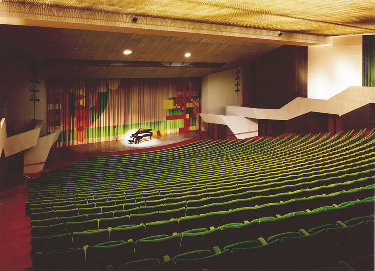 The auditorium of the Midland Center for the Arts in Michigan, designed by Alden B. Dow.
