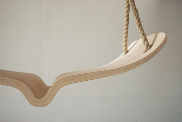 The swing's seat gradually tapers from the center to the ends. Photo courtesy of Christina Fesmire.