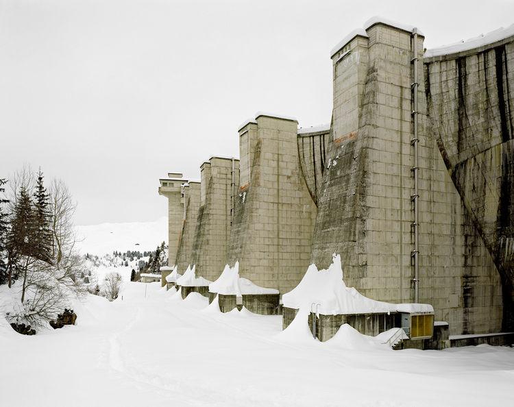 La Girotte dam's buttresses