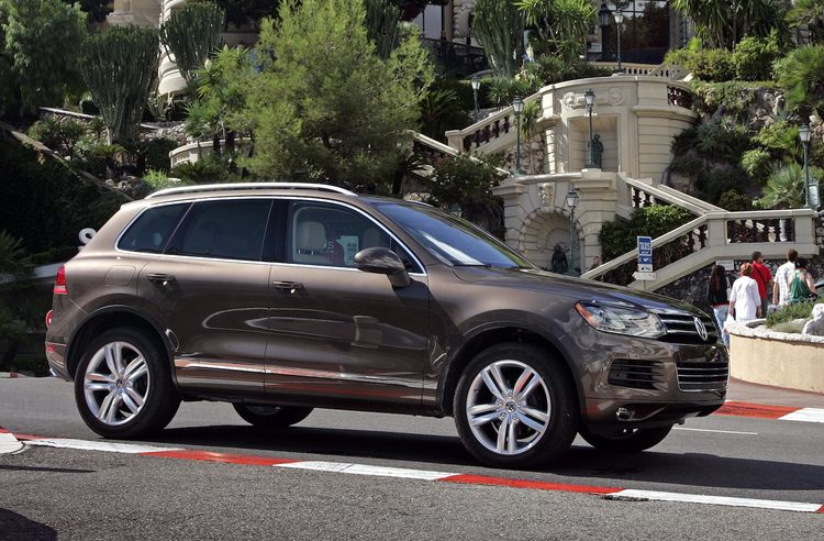 """VW's latest four-cylinder Touareg TDI will show how clean diesel crossover vehicles can provide both high functionality and improved fuel economy. """"All the functionality desired by families with a more efficient four-cylinder clean diesel TDI engine,"""" say"""