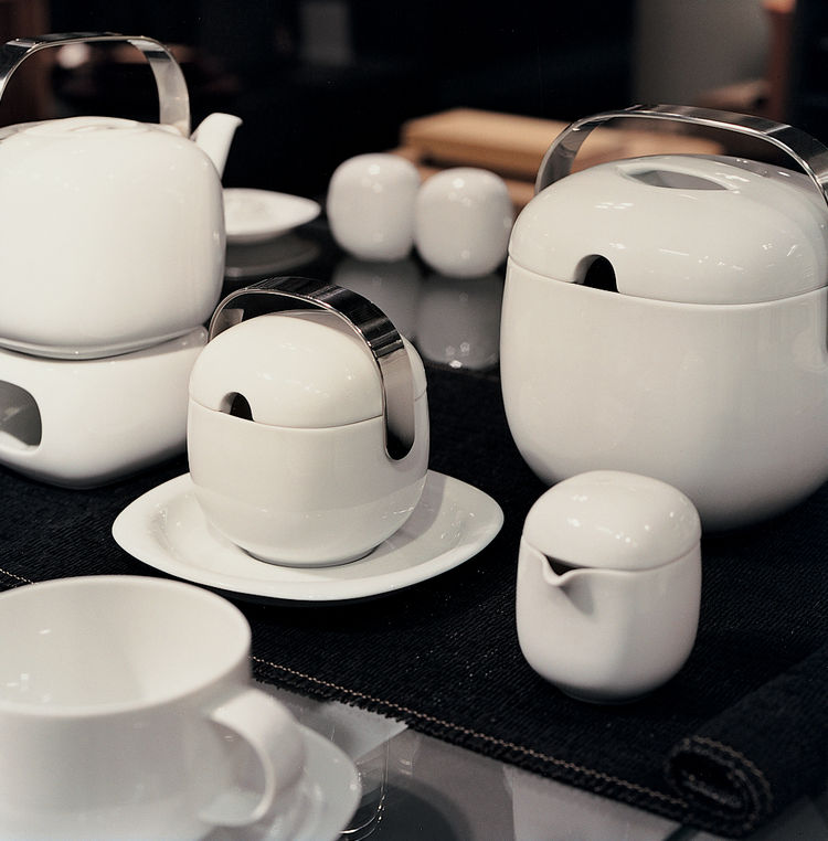 Classics, like this Suomi White ceramic set by Timo Sarpaneva for Rosenthal, can be found at the Design Forum.