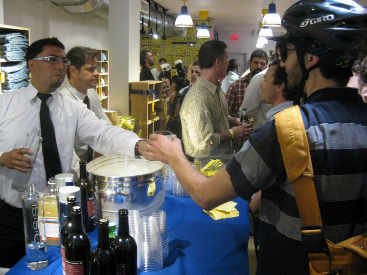 If only all bike rides ended with a free glass of wine! The Tretorn shop was happy to host all of us riders and we were happy to celebrate a successful ride.