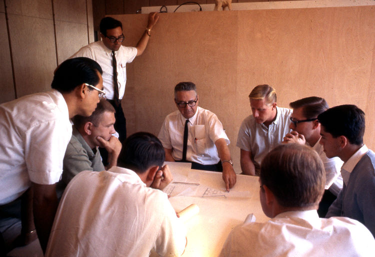 A. Quincy Jones holding a USC design class for fifth-year architecture students at the Barn in 1965. Photo courtesy of Metabolic Studio.