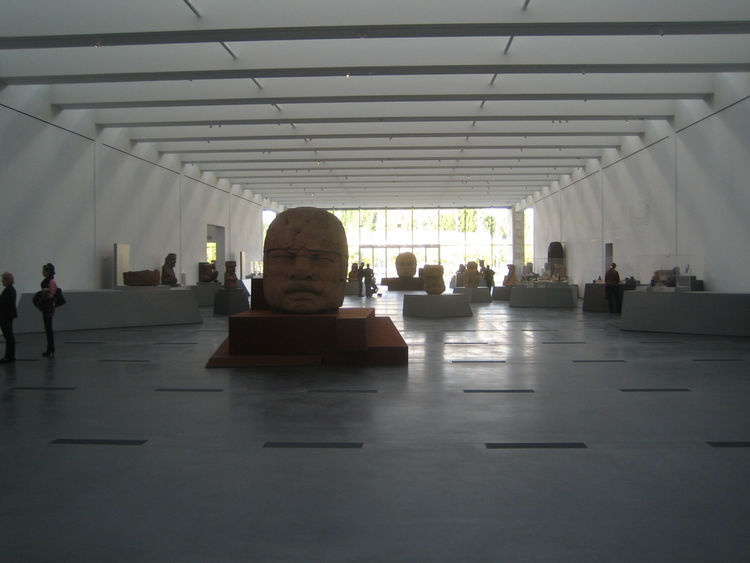 Here's a snap of the interior replete with the Olmec heads on display. The Pavilion was designed as an exhibition space, and thus seeks little more than to control the degree of light coming in and make itself available to a variety of uses. The two other