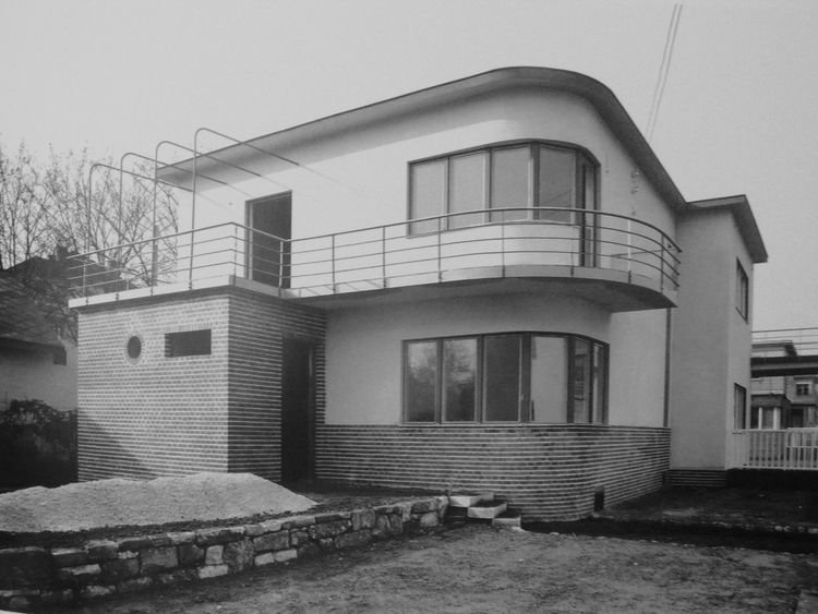 "Kozma designed this semidetached Budapest house in 1931. Photo courtesy <a href=""http://www.szalonantiques.com/"">Szalon</a>."
