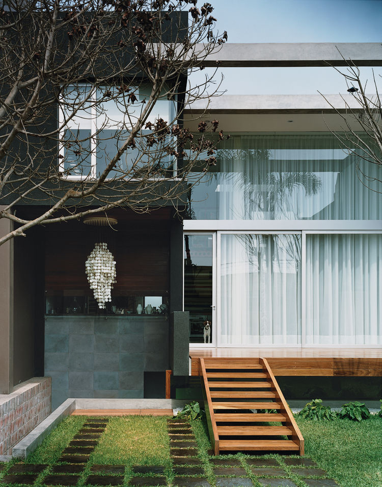 Architect and industrial designer Sebastián Bravo designed the Hans Stoll Residence.