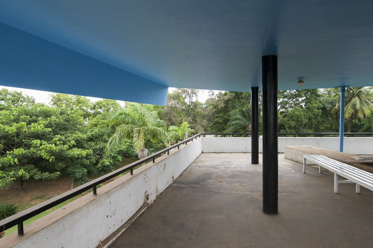 Private residence, roof veranda, Accra. Architect: Nickson and Borys, 1962-66.