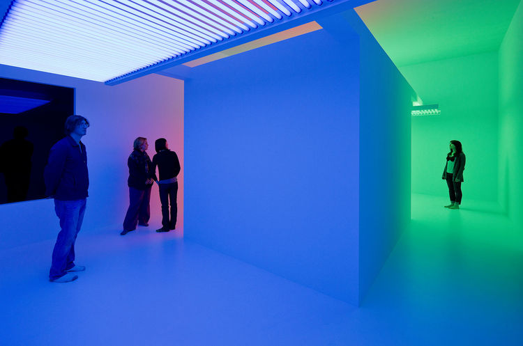 Cromosaturacion is a culmination of the ground-breaking explorations of Venezuelan graphic designer and photographer, Carlos Cruz-Diez, on the optical and perceptual effects of color on the eye. In this installation, a white room is divided into three col