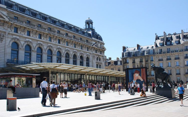 The original train station-hotel was built by architect Victor Laloux just in time for the World Fair in Paris on Bastille Day (July 14) in 1900. Called Gare d'Orsay, the station had 148-yard platforms that became obsolete only forty years later, since th