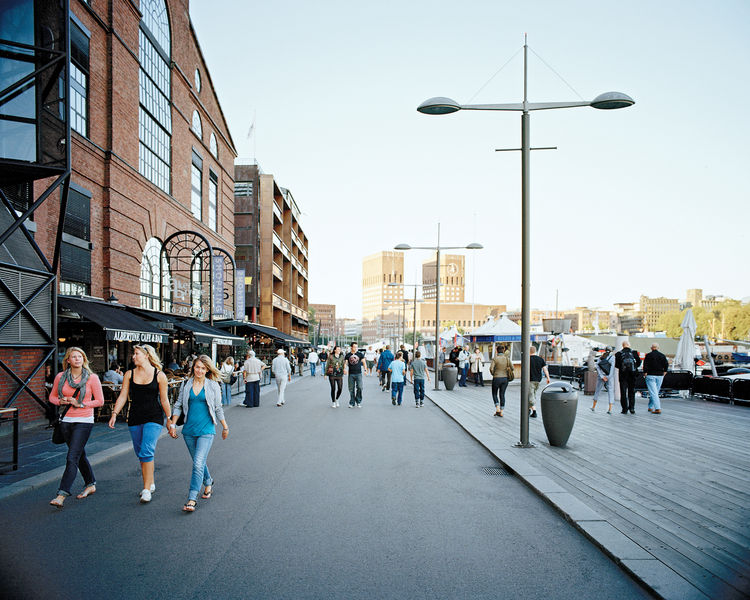 Aker Brygge, a former shipyard that's now a mélange of apartments, offices, shops, and restaurants.