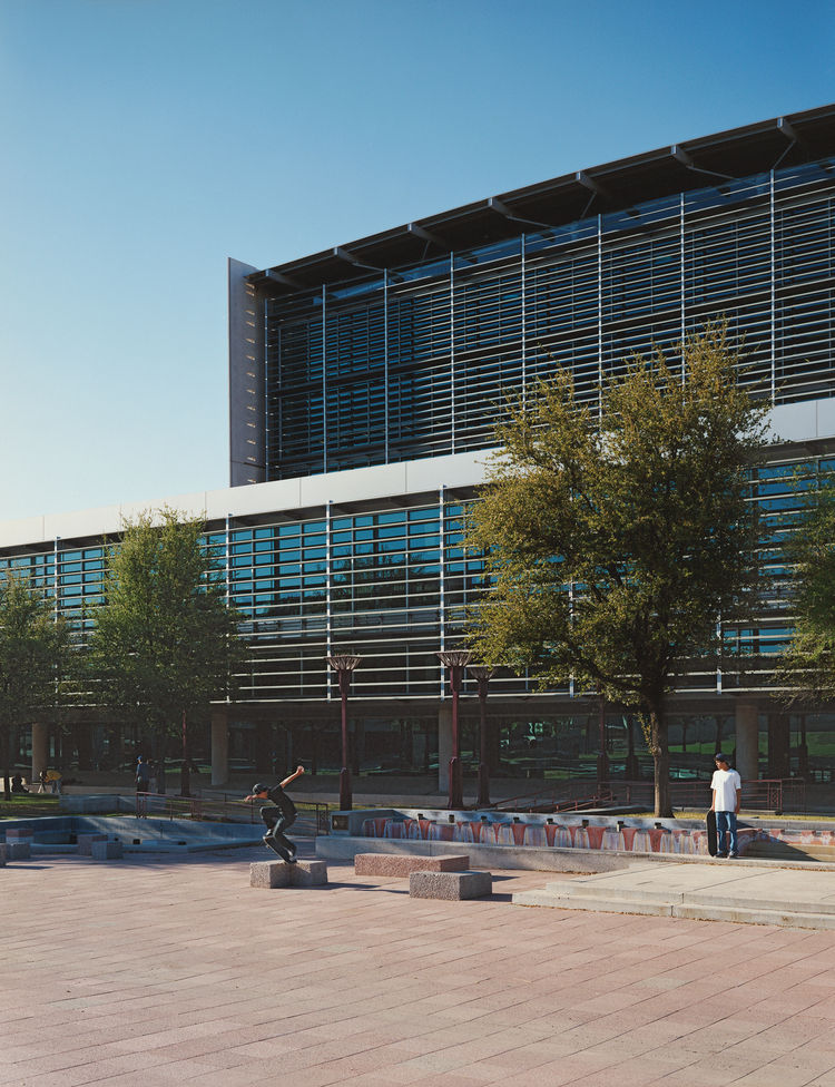 The Burton Barr Central Library, another one of Bruder's projects, has become one of the area's architectural benchmarks. Skateboarders love it for the courtyard, designers are attracted by the deft marriage of style and energy efficiency.