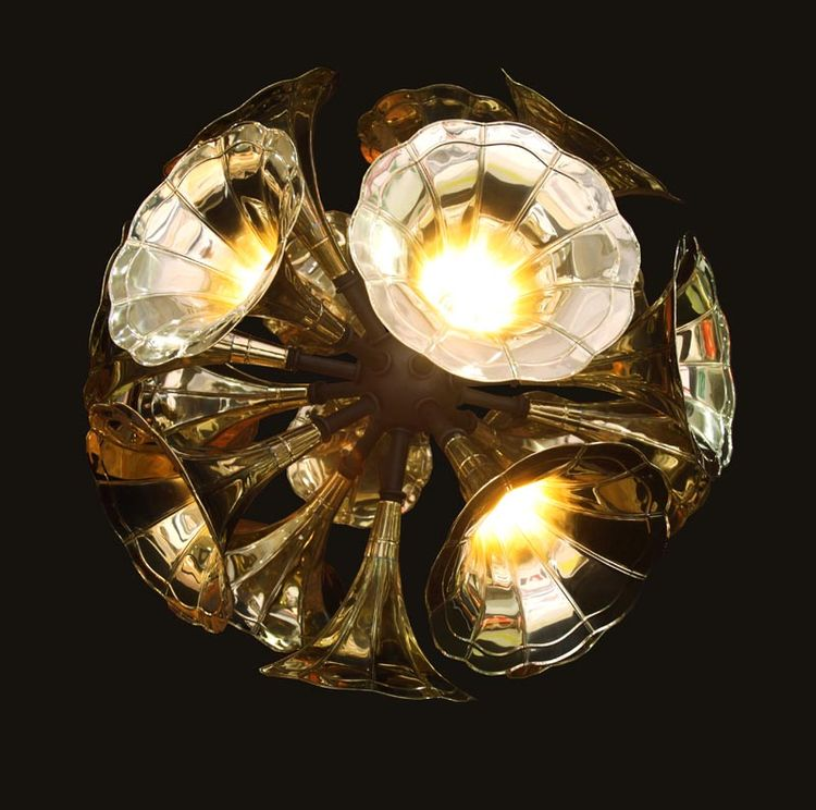 A closer look at the Gramophone Chandelier.