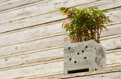 Pipe planter by Nobuhir