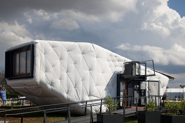 "SCI-Arc and Caltech teamed up to create this uber conceptual ""outsulated"" home called <a href=""http://www.sciarc.edu/portal/about/solar_decathlon/index.html"">CHIP</a>, which stands for ""Compact Hyper-Insulated Prototype. Underneath the layer of white arch"