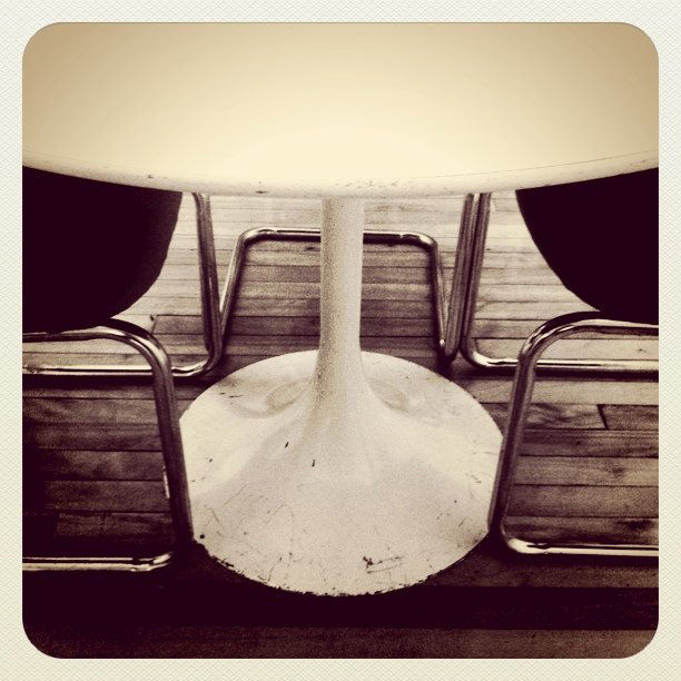 No surprise that a #Saarinen query led to a shot of his iconic Tulip table.