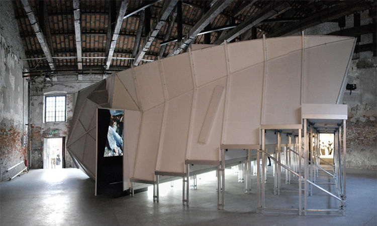 Berger&Berger designed 'ca va', a prefabricated movie theater with reference to physical deformations of acoustic compositions, as well as the meeting of films and their audience.