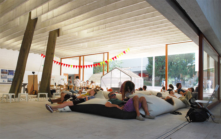 The Nordic pavilion was a joint effort between Sweden, Finland, and Norway. Its most popular feature was perhaps the beanbag sculpture on the ground, a perfect way to rest and watch the passers-by or the busy architects sitting on the other side...