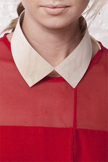 A thin piece of wood is fashioned into a collar. Photo by Jordan Duvall.