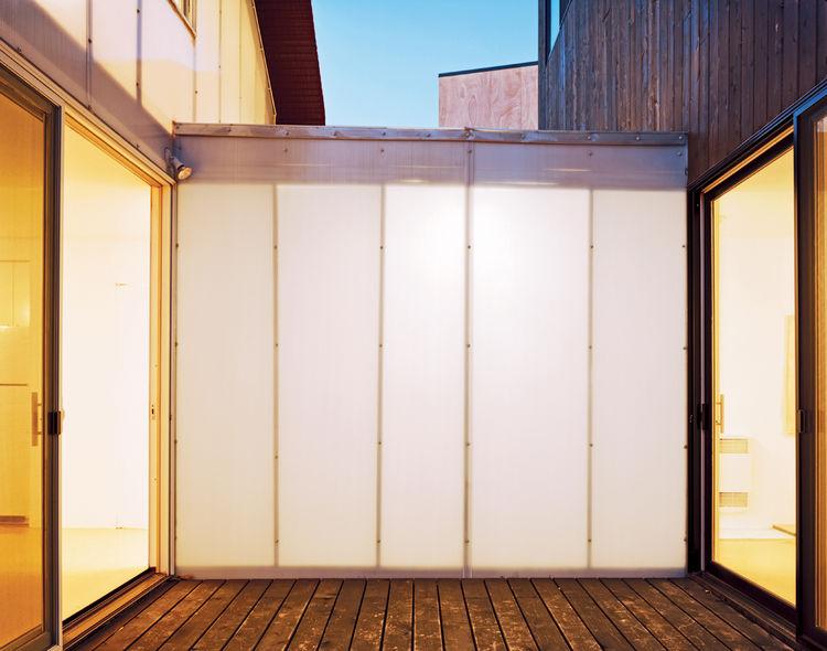 A translucent Polygal corridor separates Small and Medium.