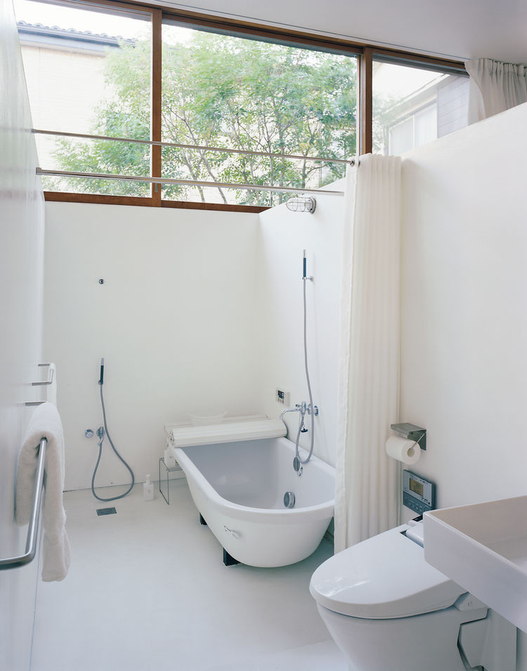 "Even the bathroom can be exposed to the elements—and often is: ""We take a bath with the doors wide open,"" says Miharu."
