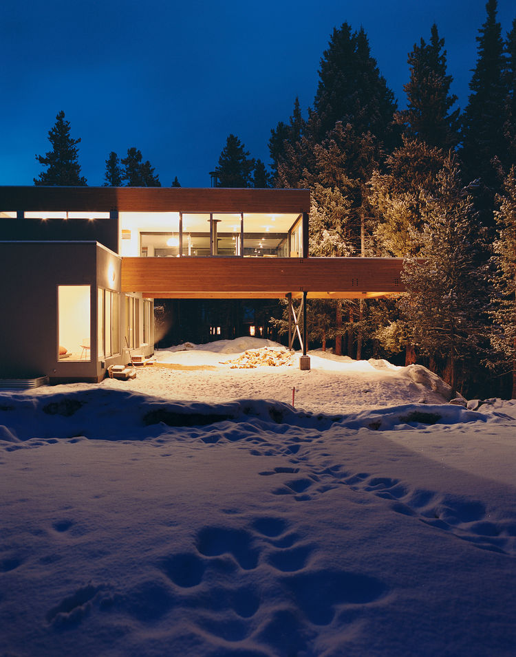 Modern carport in Winter Park, Colorado