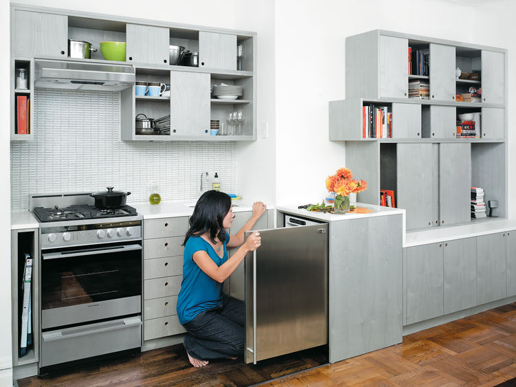 Perhaps Workstead's most liberating move was to flip the position of the refrigerator from the galley wall to an adjacent space outside the kitchen proper. In one fell swoop, this strategy dramatically expanded cabinet space and added a working countertop