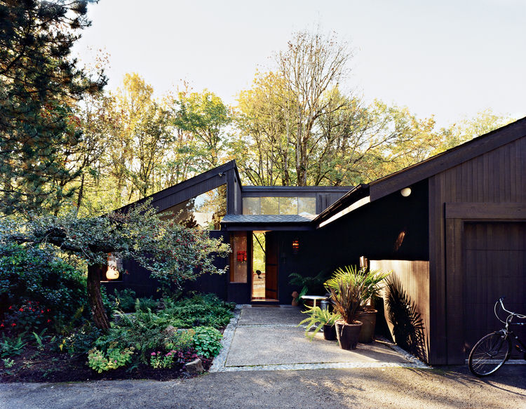 Despite its proximity to downtown Portland, Oregon, Ben Watson and Claudio Tschopp's home is surrounded by forests.