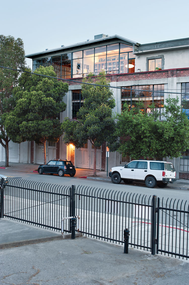 Exterior view of modern loft in Emeryville, California