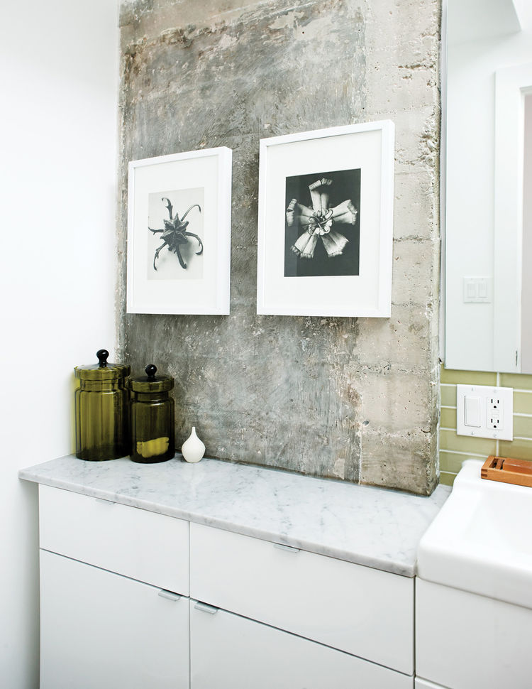 Guest bathroom with altered furniture