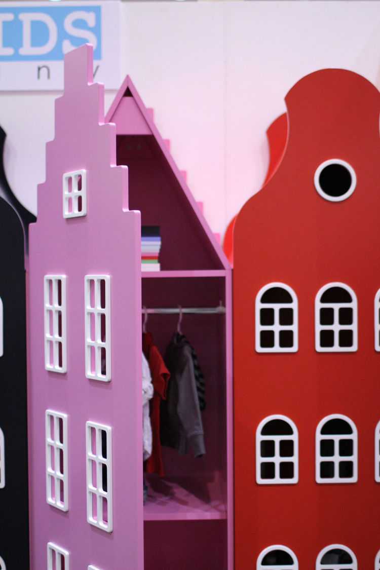 Pink dollhouse at Dwell on Design 2012