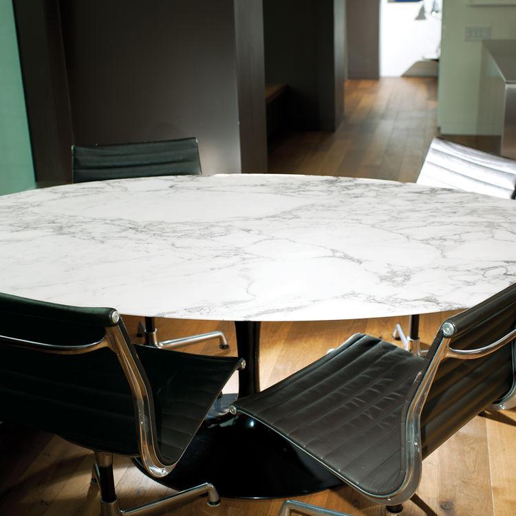 Vintage elliptical marble table by Eero Saarinen for Knoll