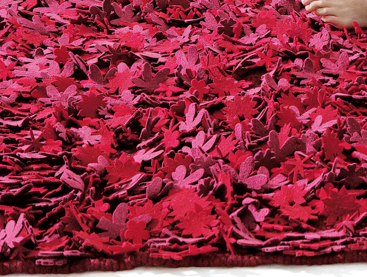 Little Field of Flowers rug by Tord Boontje