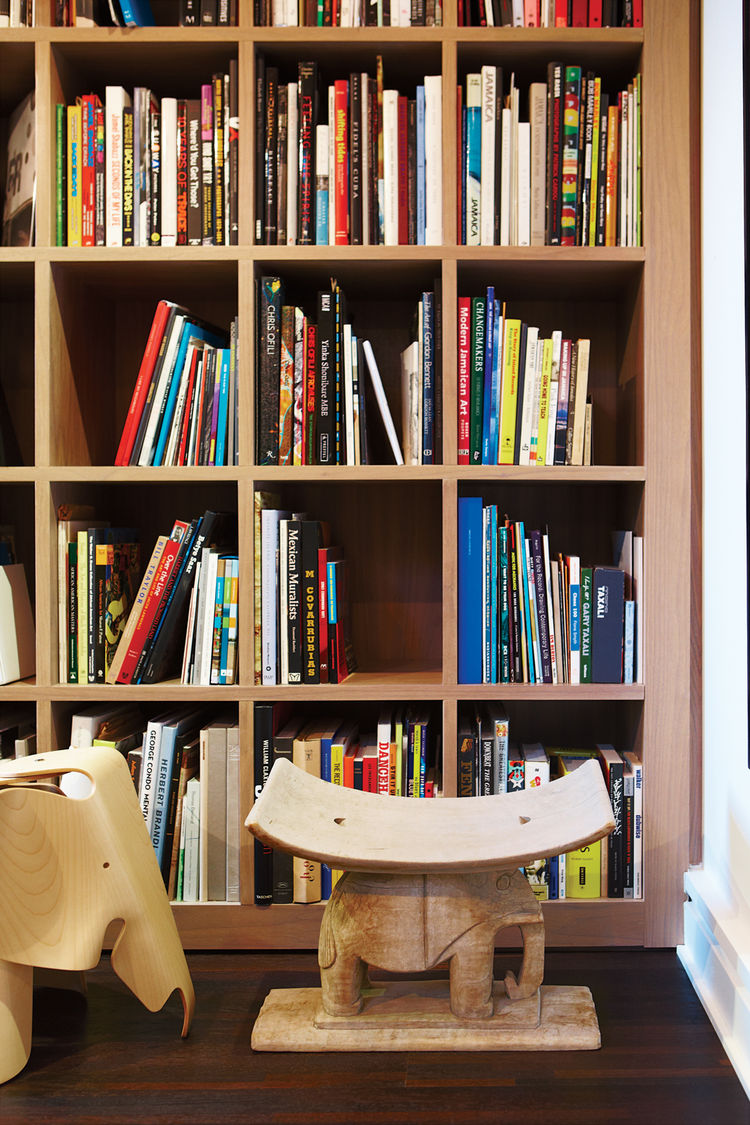 Modern custom-made bookshelves