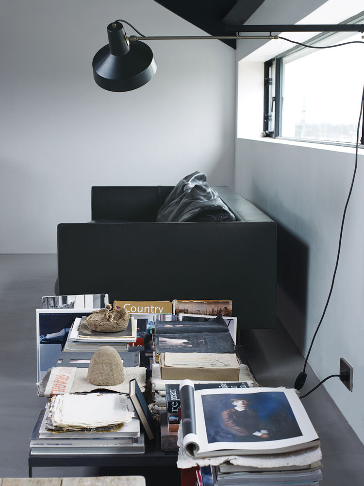 Reading area with Axel leather sofa by Gijs Papavoine for Montis